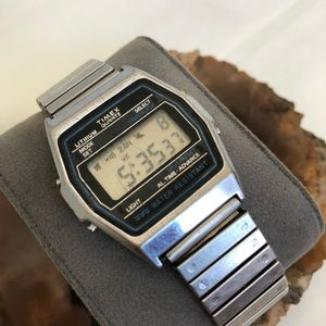 Vtg Timex Quartz Lithium Classic Mens Wrist Watch